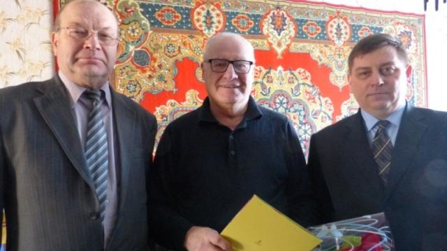 Теплые и искренние поздравления - Почетному гражданину города А.А. Сидорову