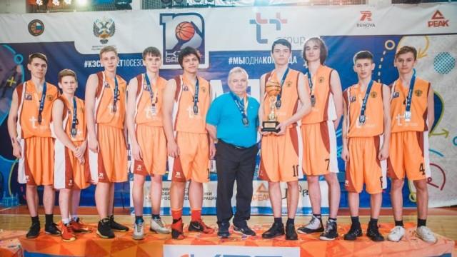 Заволжские баскетболисты стали серебряными призерами