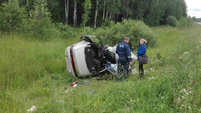Жуткое ДТП в Ивановской области: трое погибли, шесть пострадали